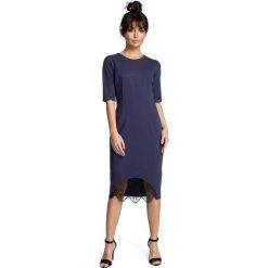 Niebieska Dopasowana Sukienka Midi z Koronką. Czarne sukienki asymetryczne marki bonprix, do pracy, w paski, biznesowe, moda ciążowa. Za 125,90 zł.