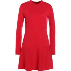 Sukienki dzianinowe: FTC Cashmere Sukienka dzianinowa lipstick red