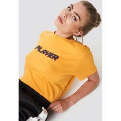 NA-KD Trend T-shirt oversize Player - Yellow. Białe t-shirty damskie marki NA-KD Trend, z nadrukiem, z jersey, z okrągłym kołnierzem. Za 72,95 zł.