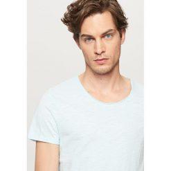 T-shirty męskie: T-shirt basic z podwiniętym rękawem – Turkusowy