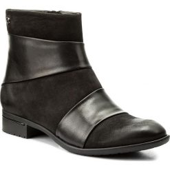 Botki CARINII - S4176 360-E50-POL-C63. Czarne buty zimowe damskie marki Carinii, z nubiku, na obcasie. W wyprzedaży za 189,00 zł.