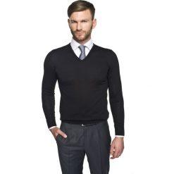 Swetry klasyczne męskie: sweter valero w serek czarny