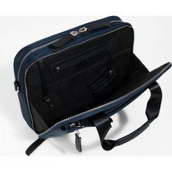 Parfois - Torba. Czarne torby na laptopa marki Parfois, w paski, z materiału. Za 139,90 zł.