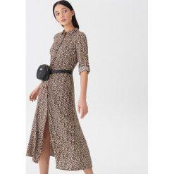 Sukienka w panterkę - Wielobarwn. Szare sukienki House, l, z motywem zwierzęcym. Za 129,99 zł.