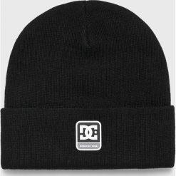 DC - Czapka. Czarne czapki zimowe męskie DC, z dzianiny. W wyprzedaży za 89,90 zł.