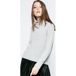 Jacqueline de Yong - Sweter Shine. Szare swetry oversize damskie Jacqueline de Yong, l, z dzianiny. W wyprzedaży za 49,90 zł.