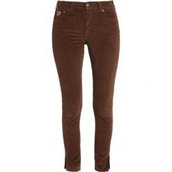 LOIS Jeans CELIA SPLIT Spodnie materiałowe chocolate. Czarne jeansy damskie marki LOIS Jeans, z bawełny. Za 459,00 zł.