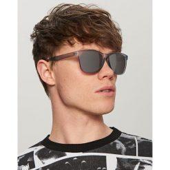 Okulary przeciwsłoneczne - Jasny szar. Szare okulary przeciwsłoneczne damskie lenonki marki ORAO. W wyprzedaży za 19,99 zł.