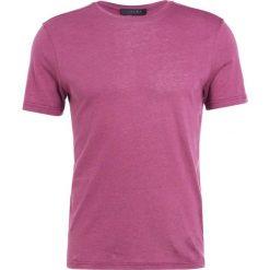Falke Tshirt basic berry. Fioletowe koszulki polo marki Reserved, l, z bawełny. Za 369,00 zł.