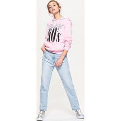Bluzy rozpinane damskie: Bluza typu hoodie z nadrukiem - Różowy