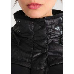 Khujo LUBECK LONG Płaszcz zimowy black. Czerwone płaszcze damskie zimowe marki Cropp, l. W wyprzedaży za 743,20 zł.