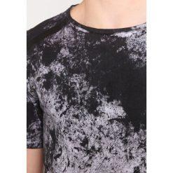 Delusion ACUTE Tshirt z nadrukiem black snow. Czarne koszulki polo Delusion, m, z nadrukiem, z bawełny. W wyprzedaży za 301,95 zł.