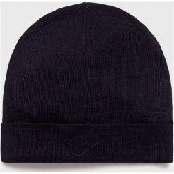 Calvin Klein - Czapka. Czarne czapki zimowe męskie marki Calvin Klein, na zimę, z dzianiny. Za 159,90 zł.
