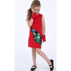 Sukienka dziewczęca z cekinową aplikacją czerwona NDZ8558. Czerwone sukienki dziewczęce marki Fasardi, z aplikacjami. Za 49,00 zł.