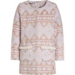 Carrement Beau Krótki płaszcz ecru beige. Czerwone kurtki chłopięce przeciwdeszczowe Carrement Beau, z bawełny, krótkie. Za 339,00 zł.