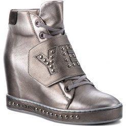 Sneakersy CARINII - B4504  M05-360-000-B88. Szare sneakersy damskie Carinii, z nubiku. W wyprzedaży za 329,00 zł.