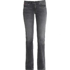 Tommy Jeans SOPHIE Jeansy Bootcut black denim. Niebieskie jeansy damskie bootcut marki bonprix. Za 449,00 zł.