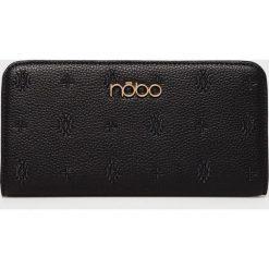 Nobo - Portfel. Czarne portfele damskie marki Nobo, w paski, z materiału. W wyprzedaży za 99,90 zł.
