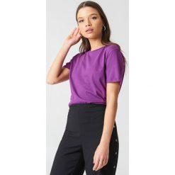 NA-KD Basic T-shirt basic - Purple. Różowe t-shirty damskie marki NA-KD Basic, z bawełny. W wyprzedaży za 21,18 zł.