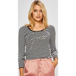 Guess Jeans - Sweter. Szare swetry klasyczne damskie Guess Jeans, l, z dzianiny, z okrągłym kołnierzem. Za 319,90 zł.