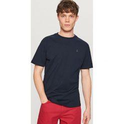T-shirty męskie: T-shirt z kontrastową kotwicą – Granatowy