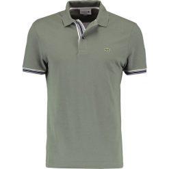 Lacoste Koszulka polo khaki. Szare koszulki polo marki Lacoste, z bawełny. W wyprzedaży za 343,20 zł.