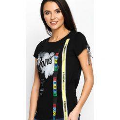 Czarny T-shirt You Lucky Thing. Czarne t-shirty damskie Born2be, s, z nadrukiem, z okrągłym kołnierzem. Za 44,99 zł.