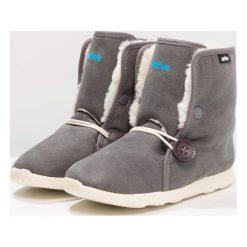 Native LUNA Śniegowce dublin grey/bone white. Szare buty zimowe chłopięce Native, z materiału. W wyprzedaży za 179,50 zł.