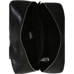 KIOMI Plecak black. Czarne plecaki damskie KIOMI. W wyprzedaży za 377,10 zł.