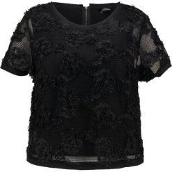 City Chic TOP FLOWER GARDEN Tshirt z nadrukiem black. Czarne t-shirty damskie marki City Chic, z nadrukiem, z materiału. W wyprzedaży za 174,30 zł.