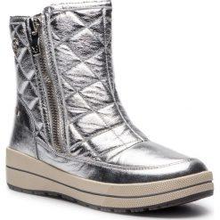 Śniegowce CAPRICE - 9-26454-21 Silver Metal 920. Szare buty zimowe damskie Caprice, ze skóry ekologicznej. W wyprzedaży za 199,00 zł.