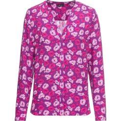 Bluzka z nadrukiem bonprix fiołkowy lila w kwiaty. Fioletowe bluzki damskie bonprix, w kwiaty, z dekoltem w serek. Za 74,99 zł.