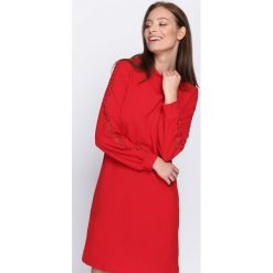 Czerwona Sukienka Light Guide. Czerwone sukienki Born2be, l, midi. Za 69,99 zł.