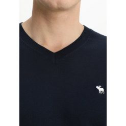 Swetry klasyczne męskie: Abercrombie & Fitch CORE ICON VNECK Sweter navy
