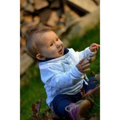 Bluza dziecięca z kominem kolorowe kropki. Szare bluzy dziewczęce rozpinane marki Pakamera, w kolorowe wzory, z bawełny. Za 85,00 zł.