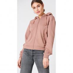 NA-KD Basic Bluza basic z kapturem - Pink. Różowe bluzy rozpinane damskie marki NA-KD Basic, z bawełny, z kapturem. Za 100,95 zł.