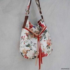 SIMPLY BAG - duża torba worek - kwiaty. Szare torebki klasyczne damskie Pakamera, w kwiaty, duże. Za 148,00 zł.