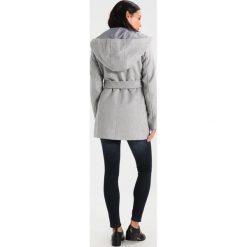 Płaszcze damskie pastelowe: Vero Moda Petite VMELENA RICH  Krótki płaszcz light grey melange