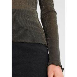 Bluzki asymetryczne: Moves MARKHILD  Bluzka z długim rękawem olive drab