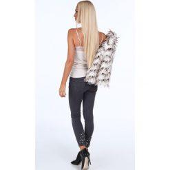 Jeansy z perełkami na nogawkach szare 1036. Szare jeansy damskie Fasardi. Za 99,00 zł.