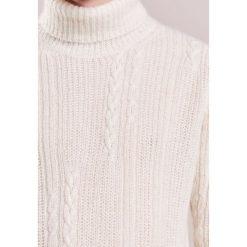 Swetry klasyczne męskie: Nuur Sweter bianco