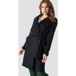 Trendyol Płaszcz Arched - Black. Czarne płaszcze damskie Trendyol, w paski. Za 283,95 zł.