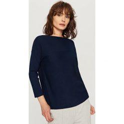 Swetry klasyczne damskie: Sweter z guzikami – Granatowy