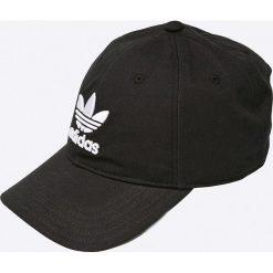 Adidas Originals - Czapka. Brązowe czapki z daszkiem męskie marki adidas Originals, z bawełny. Za 79,90 zł.