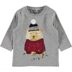 """Koszulka """"Repo"""" w kolorze szarym. Szare t-shirty chłopięce z długim rękawem Name it Baby, z bawełny. W wyprzedaży za 32,95 zł."""