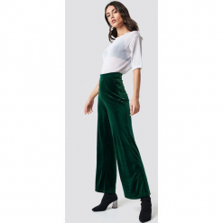 Rut&Circle Aksamitne spodnie - Green. Zielone spodnie z wysokim stanem Rut&Circle, z materiału. Za 161,95 zł.