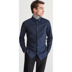 Koszula z żakardowej tkaniny - Granatowy. Niebieskie koszule męskie marki Reserved, l. Za 139,99 zł.