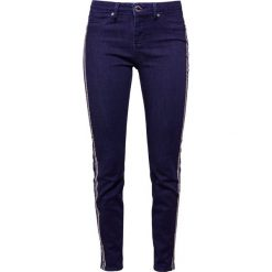2nd Day JOLIE CROPPED TAPE Jeansy Slim Fit dark blue. Niebieskie rurki damskie 2nd Day. Za 459,00 zł.