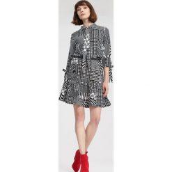 Czarna Sukienka Bad At Love. Czarne sukienki other, l, mini, oversize. Za 59,99 zł.