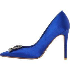 Dune London BREANNA Szpilki blue. Niebieskie szpilki Dune London, z materiału. W wyprzedaży za 426,75 zł.